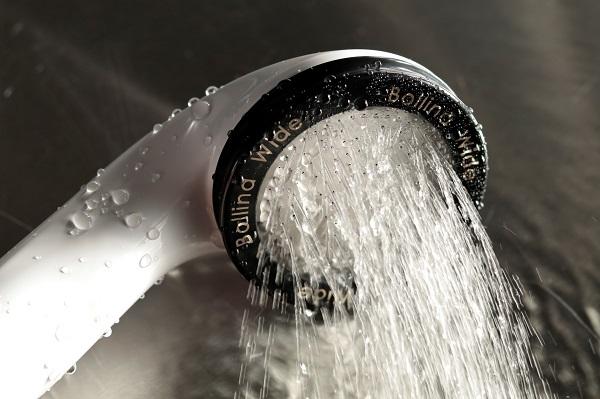 バスリエのシャワーヘッド「ボリーナワイド/ホワイト」