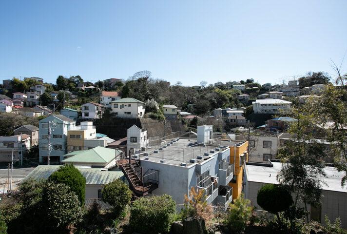 Arroz y Frijoles から見た横須賀の街
