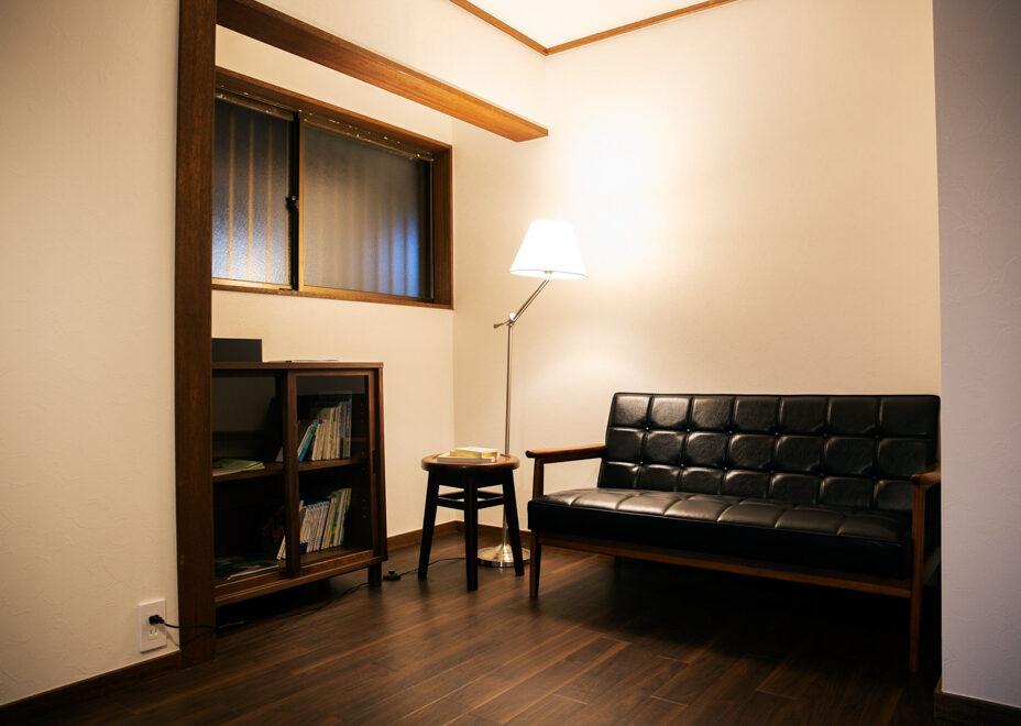 haletto house SAKANOSHITAの読書ルーム