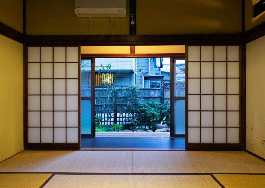 haletto house SAKANOSHITAの和室からのぞむ庭